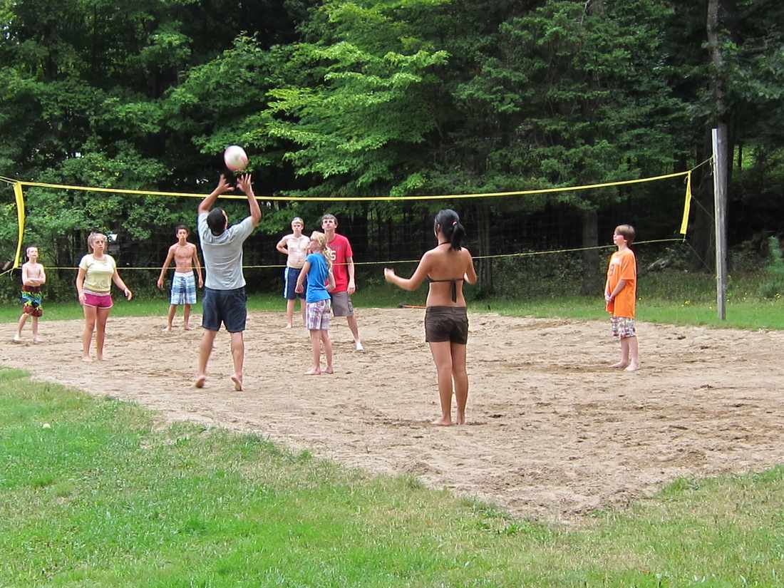 Displaying 18 gt  Images For - Beach Volleyball Family   Family Beach Volleyball Fun